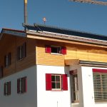 fertig erstelltes Massivholzhaus