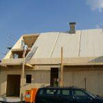 Massivholzhaus beim Bau