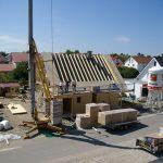 Dämmen der Dachfläche beim Massivholzhaus